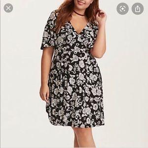 Torrid- Black/white floral flutter sleeve dress